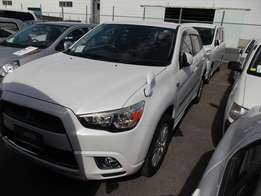 Mitsubishi RVR exquisite white Fully loaded