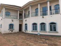 11 bed rooms 11 toilet n bath for sale at east legon Ajigano