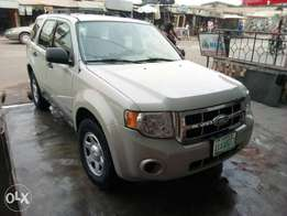 4 months registered Ford Escape 2008 model for quick sale