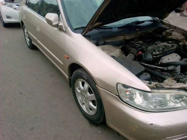 Registered Honda Accord, 2001 model. Yaba - image 3