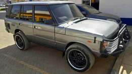 Range Rover,3900cc petrol engine, Y.O.M 1983 Asking price 1.5M