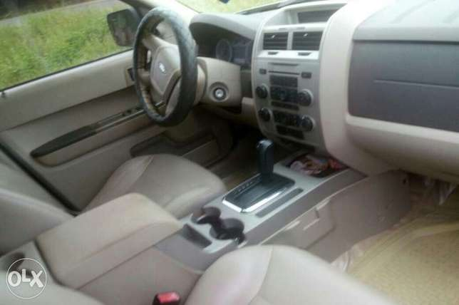 Very neat ford escape 2011 Ibadan Central - image 7