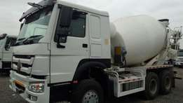 Sinotruk Howo 6*4 Mixer RHD.On Sale