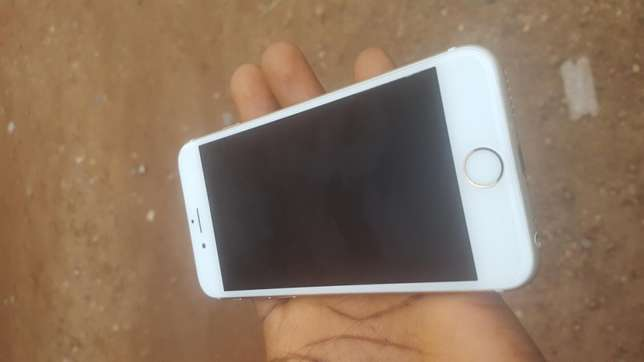 Mint 16gb gold UK used iPhone 6s for sale for low price Ibadan Central - image 1