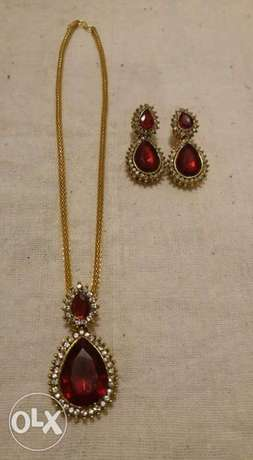 New Pendant and Earing set (with golden chain)
