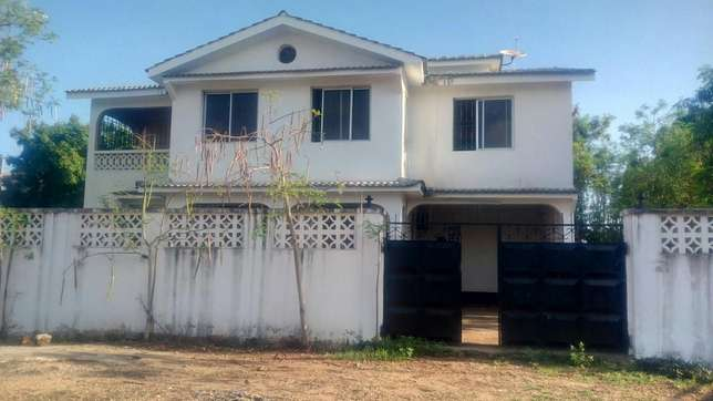 4 Bedroom massionate own compound To Let Nyali Mombasa county Nyali - image 1