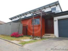 3 Bedroom, 2 Bathroom, Sectional Title House for sale in Emalahleni (W