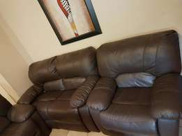 Am Selling My Furniture Sofas Set (Chair) in Bloemfontein Town