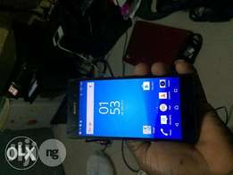 clean used xperia z3,