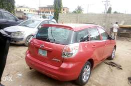Toyota matrix Tokunbo standard Nigeria used 2005model for save
