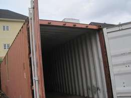very clean 40 ft containers for sell in ver good condition