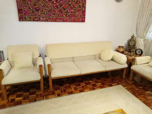 2 sets sofas cream in colour Highridge - image 4