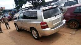 Toyota Highlander 2006 model very clean buy and drive