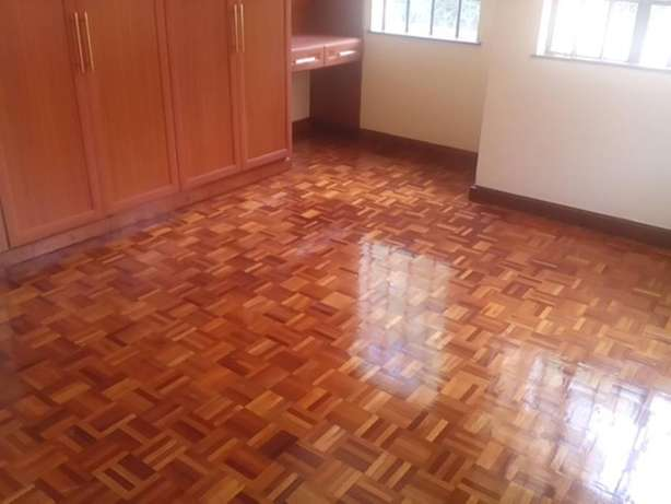 A magnificent 4 bed, all en-suite townhouse with SQ for rent in Laving Lavington - image 8