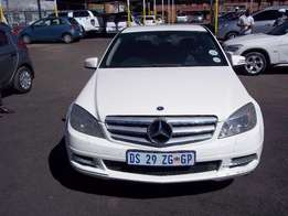 Mercedes Benze C180 CGI Automatic White colour