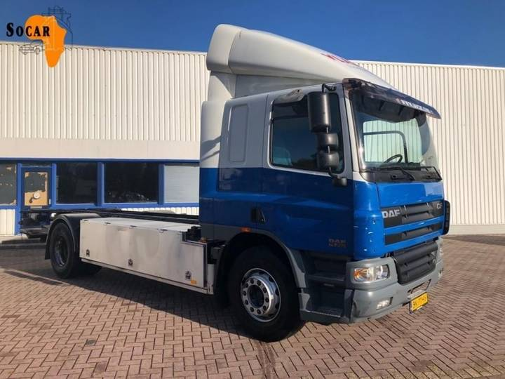 DAF CF 75.250.MANUAL/TWISTLOCKS - 2003