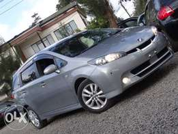 Toyota Wish grey colour 2010 model excellent condition new shape