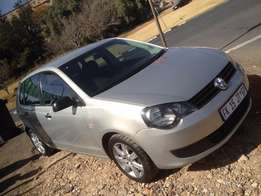 2013 polo vivo 1.4 silver color 69000km R98000