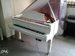 Moutrie Grand Piano (White) with Tone Generator