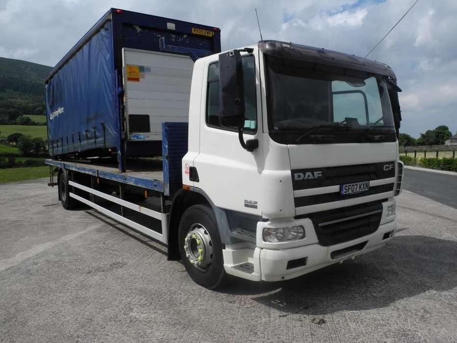 DAF 65 220 platte vrachtwagen