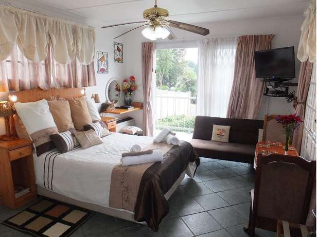 1 - 6 sleeper Self Catering units from R500 - R1290 per night availabl Durban - image 4