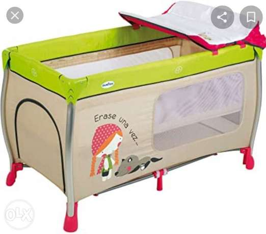 Portable Crib- Made in Italy- Olmitoa brand- Very Good Condition