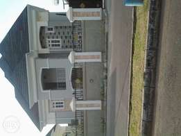 5bedroom duplex with bq for sell at efab metropolises estate abuja