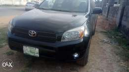 Greezily clean 2008 Toyota rav4 with duty.
