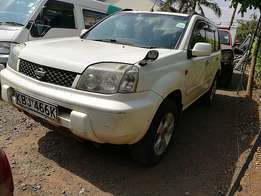 Very clean white Nissan extrail 2002 model