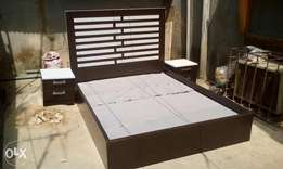 4and half bed with two bed side