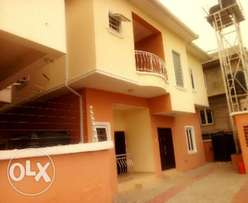 Newly finished 2bedroom flat Idado/chevyview estate