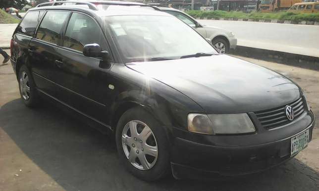 Volkswagen passat wagon 4plug engine automatic gear first body 550k Lagos Mainland - image 3