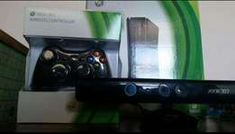 X-BOX 360 250 GB with two remotes+ Kinect and Call Of Duty Modern Warf