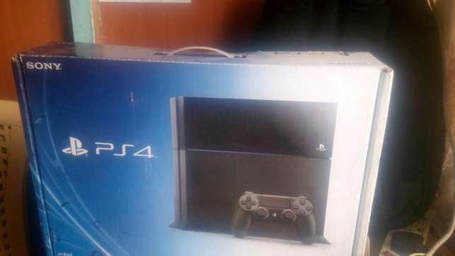 Play Station 4 X-UK gaming console Eldoret South - image 1