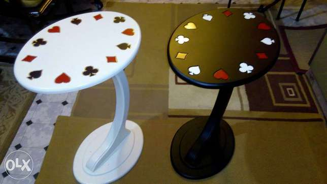 1 side table_playing cards