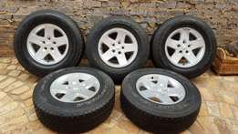 5 X 17 inch Jeep Wrangler mags with tyres