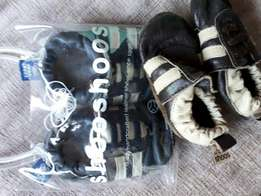 Shoo shoos (only blue pair left) R100