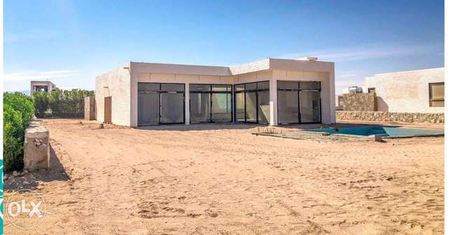 Ready to move stand alone in soma bay beach front with 5years plan الغردقة -  1