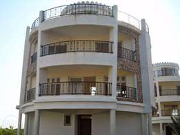 Executive 3 bedroom rental apartment with a pool, internet &generator