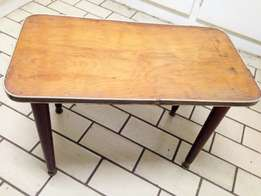 vintage retro 60,s laminated wood side Coffee table Tlc required