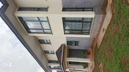 Five bedrooms town houses in runda