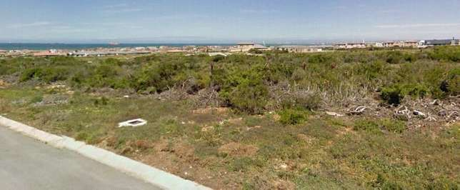 Bluewater Bay - Mikhaela Crescent - 500m2 - REDUCED R210 000 Bluewater Bay - image 2