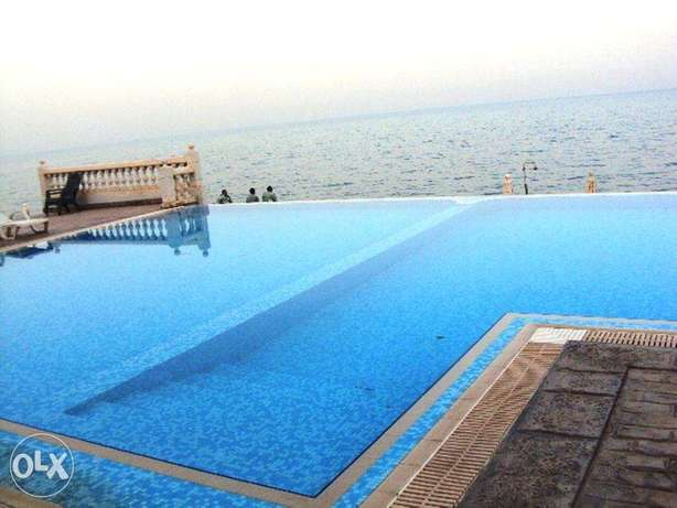 2 Bedrooms Fully Furnished Beach Side Apartment المنقف -  6