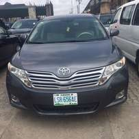 Neatly used Toyota Venza 2010 model