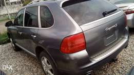 Very clean Porsche Cayenne 06 full option