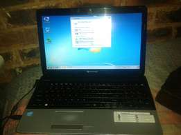 Im selling compq ball laptop for 1700