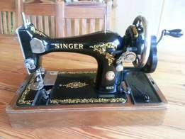 Singer Antique Sewing Machine (made in England 128k) R1500.00