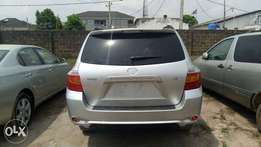 Tokunbo Toyota Highlander 2008/09 Model, Leather seats