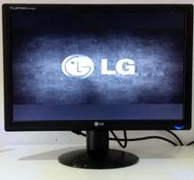 LG 19'' LCD Monitor For Sale - R750