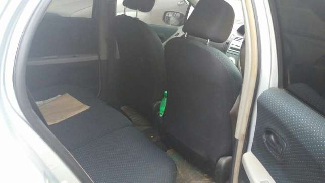 Toyota Vitz 1300cc KBW extremely clean in super condition Nairobi CBD - image 5